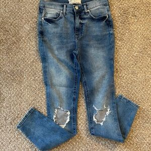 Free People ripped kness high rise skinny jeans 27